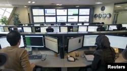 A China tem testado as suas capacidades em caso de necessidade para conduzir ataques através de internet - Foto de arquivo