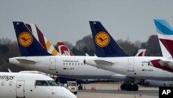 Maskapai Lufthansa membatalkan semua penerbangan ke China daratan sampai 9 Februari (foto: ilustrasi).
