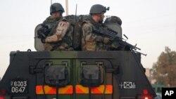 Francia tiene unos 800 soldados en Mali y planea incrementarlos a unos 2 mil 500 en las próximas semanas.