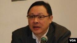 香港大學法律系副教授戴耀廷表示,釋法影響司法自治,令香港法治向低階發展(美國之音湯惠芸)