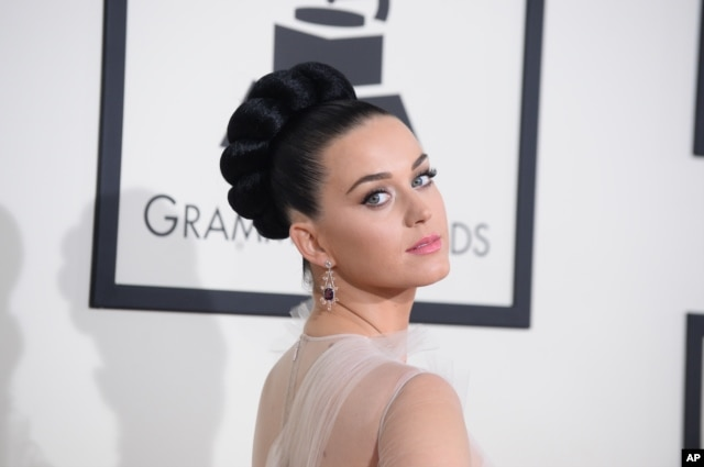 Katy Perry arrives at the 56th annual Grammy awards at the Staples Center on Jan. 26, 2014, in Los Angeles.