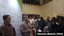 Wakil Menteri Keuangan (Wamenkeu) Suahasil Nazara usai mengikuti diskusi tentang Kerja Sama Pemerintah dengan Badan Usaha (KPBU) di gedung Kementerian Keuangan, Jakarta, Senin, 9 Maret 2020. (Foto: Sasmito Madrim/VOA)