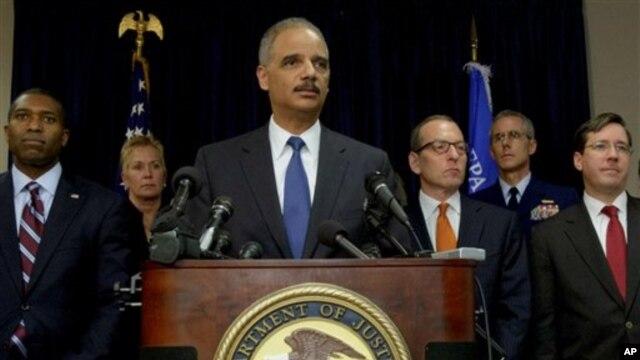 Bộ trưởng Tư pháp Hoa Kỳ Eric Holder vụ bồi thường là một bước đáng kể về công lý cho con người, và những xáo trộn môi trường, kinh tế do dầu tràn gây nên