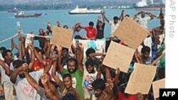 Các nhà tranh đấu Úc biểu tình ủng hộ người Tamil xin tị nạn