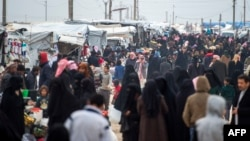 Displaced Syrians at the internally displaced persons camp of al-Hol in al-Hasakahgovernorate in northeastern Syria, Feb. 6, 2019.