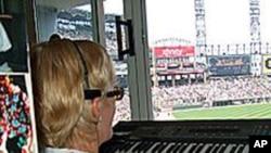 Nancy Faust u svojoj kabini s orguljama