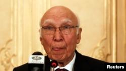 巴基斯坦外交政策和国家安全顾问萨尔泰•阿齐兹(资料照)