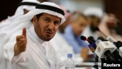 Saudi Health Minister Abdullah al-Rabeeah gestures during a news conference in Riyadh, April 20, 2014.