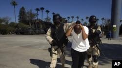 Drug War Collapsing Cartel