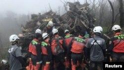 Taipei'deki helikopter kazasında aralarında Genelkurmay Başkanı'nın da bulunduğu 8 kişi hayatını kaybetti.