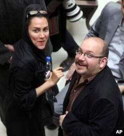 جیسون رضائیان، خبرنگار روزنامه واشنگتن پست در ایران بیش از یک سال است که در تهران زندانی است.