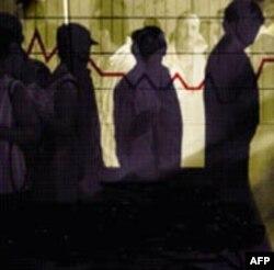 وقايع روز: ايران در آستانه سالگرد ١٣ آبان و چند خبر ديگر