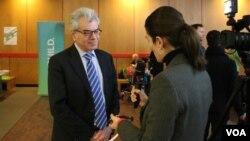 گری سیمور در حاشیه گردهمایی هفته ایرانیان هاروارد