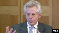 英国议会跨党派中国事务小组主席、议会下院成员Richard Graham, MP 葛力恒(美国之音拍摄)