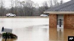 En Mississippi unos 1.000 residentes podrían ver sus casas inundadas por el crecimiento del río Leaf en Hattiesburg, Petal y áreas adyacentes.