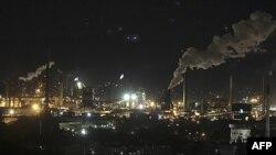Các nhà khoa học Australia tin rằng việc thu thập và tồn trữ khí carbon từ các nhà máy phát điện có thể được thực hiện trên diện rộng trước năm 2020.