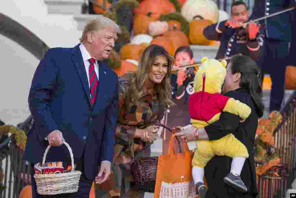 په سپینۍ ماڼۍ کې د هالووین جشن