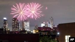 نیویارک میں یوم آزادی کے موقع پر آتش بازی کا ایک منظر۔ 4 جولائئ 2019