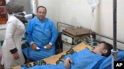 Пострадавшие от возможной химической атаки в больнице Алеппо, Сирия. 24 ноября 2018 г.