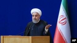Tổng thống Iran Hassan Rouhani phát biểu trong buổi lễ đánh dấu ngày năng lượng hạt nhân quốc gia tại Tehran, ngày 7/4/2016.