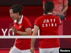 中國羽毛球運動員陳清晨在東京奧運會比賽場上爆粗口。 (2021年8月2日)
