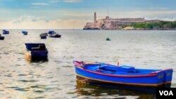 La legislación restringe a los turistas estadounidenses de viajar a la isla.