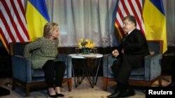 Президент Петро Порошенко і кандидат на посаду президента США від Демократичної партії Гілларі Клінтон