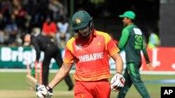 پاکستانی بالرز کی نپی تلی بالنگ کو کوئی بھی زمبابوین بیٹسمین اعتماد کے ساتھ نہ کھیل سکا