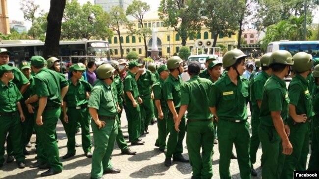 Chính quyền TpHCM huy động các lực lượng để ngăn, vây bắt người biểu tình, tháng 5/2016