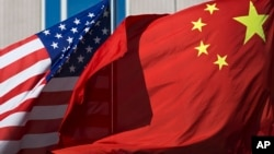 2012年9月5日北京一家中国酒店的美国中国国旗