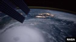El huracán Joaquín sobre las Bahamas, en una foto toamda por el astronauta Scott Kelly desde la Estación Espacial Internacional. 2 de septiembre de 2015.