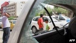 Пошкоджений автомобіль у результаті терористичної атаки