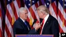 دونالد ترامپ رئیس جمهوری منتخب ایالات متحده (راست) و مایک پنس معاون او - آرشیو
