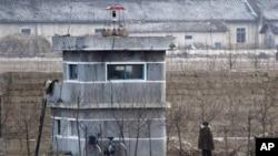 지난 12월 중국 단둥에서 바라본 북한측 풍경. (자료사진)