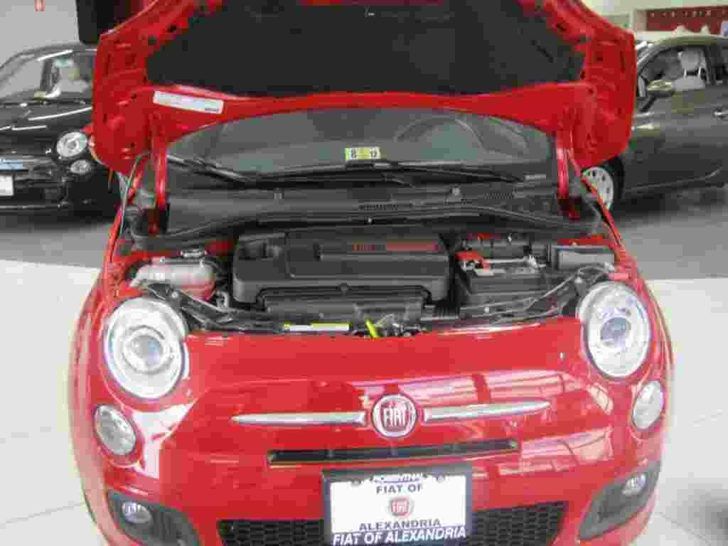 El motor del Fiat 500, MultiAir, mejora el arranque del vehículo y reduce las emisiones de contaminantes.
