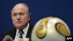 Президент Международной федерации футбола (ФИФА) Зепп Блаттер (архивное фото)