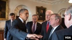 1月13日,奥巴马与国会议员会面(图片来源:白宫)