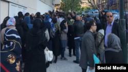 پیامک های دستجمعی موجب سردرگمی و اعتراض مردم شد.