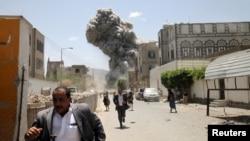 2015年5月10日空袭击中了前总统阿里·阿卜杜拉·萨利赫在首都萨那的住所。
