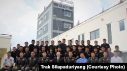Chicago Police Academy instructor Trak Silapaduriyang trains Thai police instructors in Bangkok