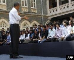Obama raqib davlatlar – Hindiston va Pokistonni tinchlik va muloqotga undamoqda