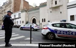 Paris Büyük Camii girişi