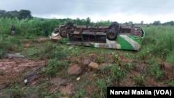 Un accident sur la route de Kolwezi située à 175 km de Lubumbashi, en RDC, le 18 mars 2018. (VOA/Narval Mabila)