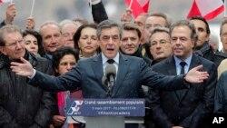Ứng cử viên François Fillon của đảng Cộng Hòa phát biểu tại một cuộc mít tinh ở Paris, ngày 5/3/2017.