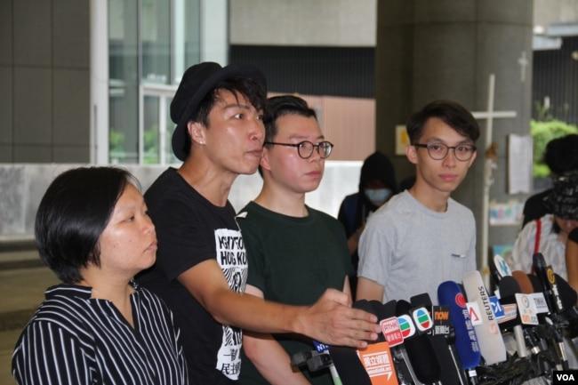 """民陣總召集人岑子傑2019年6月24日在宣布G-20峰會""""自由香港""""集會的記者會上(美國之音申華拍攝)"""