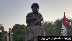 ساختن این تندیس یک میلیون افغانی هزینه برداشته است