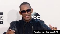 Le chanteur de R&B R. Kelly fait face à de nouvelles accusations d'abus sexuels.