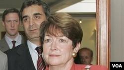 La embajadora de EE.UU. en Ecuador, Heather Hodges, afirmó que no le dieron tiempo para dar una respuesta.