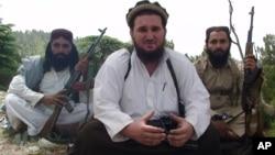 کالعدم گروپ تحریک طالبان پاکستان کا سابق ترجمان احسان اللہ احسان، جو اب حکومت کی تحویل میں ہے۔
