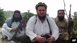 د پاکستاني طالبانو د ترجمانۍ وروسته احسان الله احسان په جماعت الاحرار نومې ډله کې د شاملېدو اعلان کړی و